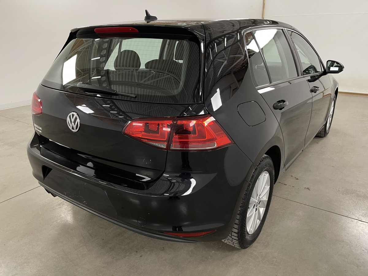 VOLKSWAGEN GOLF 2015